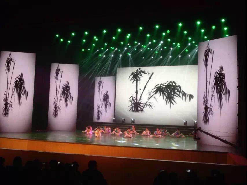 苏州舞美协会演绎公司P3.91租赁LED显示屏200平方完美点亮