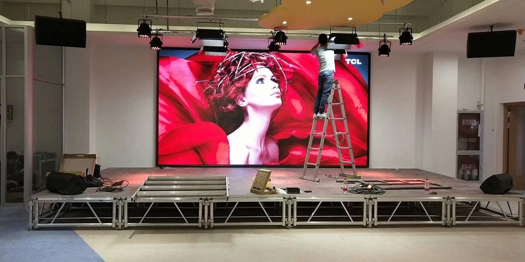 张家港恒光国际商业广场室内P3全彩大屏幕完美点亮!