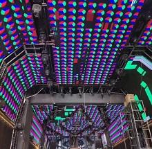 周庄古镇酒吧一条街创意LED显示屏